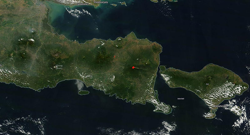MODIS/Terra image of the Raung Volcano, Indonesia on 5 July 2015