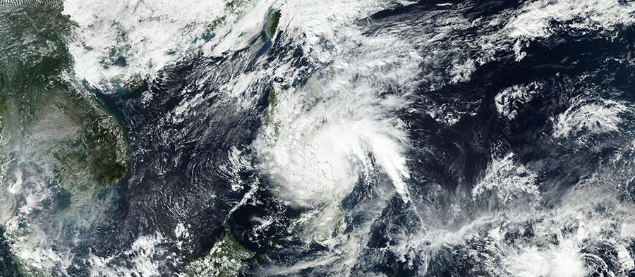 Typhoon Melor 14 Dec 2015 VIIRS Lg
